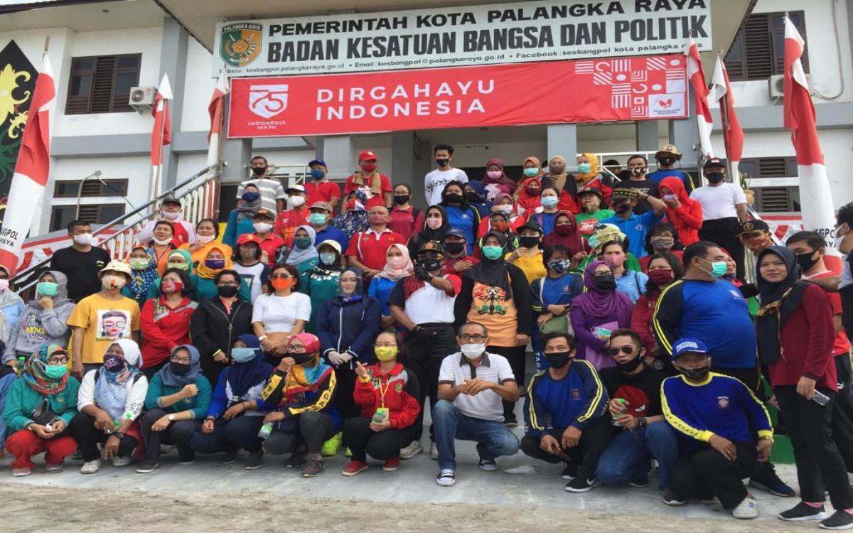 SDM PKH Mengikuti Senam Bersama di Halaman Kantor Badan Kesatuan Bangsa dan Politik Kota Palangka Raya